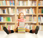 Educación del niño de la escuela, libros infantiles, estudiante de la niña Imagen de archivo libre de regalías