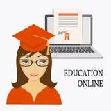 Educación en línea con la muchacha, el ordenador portátil y el diploma Fotos de archivo