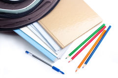 Eduque a trouxa, lápis, pena, caderno. Foto de Stock Royalty Free