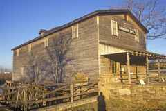 Edwards Mill, agua/molino del poder, Ozarks, MES imagenes de archivo