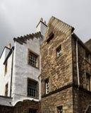 Edynburg za królewską milą pokazuje antycznego dachowego kona Zdjęcia Royalty Free