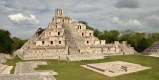 玛雅金字塔Edzna。 尤加坦,坎比其, 库存图片