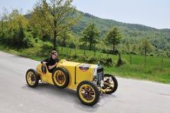 Een 1926 geel Fiat 509 Sport Stock Foto