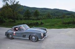 Een 1955 Mercedes 300 het gullwing van SL bij 1000 Miglia Royalty-vrije Stock Afbeeldingen