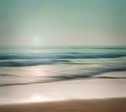 Een abstract zeegezicht met vage het filteren motie op papier backgr Stock Afbeeldingen