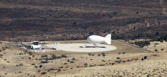 Een aerostaat die bij Fort Huachuca, Arizona wordt vastgelegd Stock Afbeelding