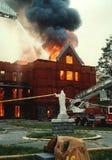 Een 3 alarmbrand in een klooster stock afbeeldingen