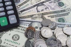 Een andere dag op het kantoor (de muntstukken en de bankbiljetten van USD) Royalty-vrije Stock Afbeelding