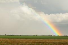 Een andere enkel Regenboog van de Provincie Royalty-vrije Stock Fotografie