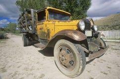 Een antieke Ford-vrachtwagen in Bannack, Montana Stock Foto's