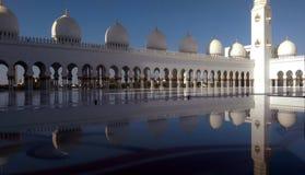 Een avond in Sheikh Zayed Grand Mosque Abu Dhabi Stock Afbeeldingen