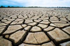 Een barstgrond in dor milieu, Pattani, Thailand Stock Fotografie
