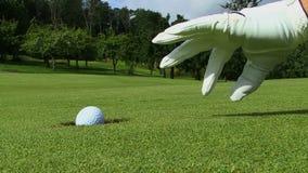 Een bedriegende golfspeler stock videobeelden