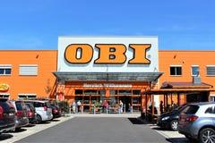 Een beeld van een OBI-opslag - embleem - Minden/Duitsland - 07/18/2017 Stock Foto