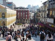 Een beeld van toerist-gevuld Macao van de Ruïnes van St Paul royalty-vrije stock foto