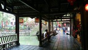 Een behandelde brug in oude stijl in chengdu, China Royalty-vrije Stock Fotografie