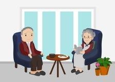 Een bejaarde en vrouwenzitting in woonkamer Royalty-vrije Stock Foto's