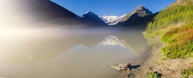 Een bergmeer royalty-vrije stock foto