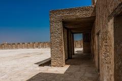 Een binnenbinnenplaats van Aqeer-Kasteel, Saudi-Arabië royalty-vrije stock fotografie