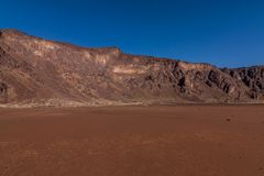 Een bodem van de caldera van de Al Wahbah-krater, Saudi-Arabië stock afbeelding
