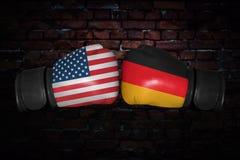 Een bokswedstrijd tussen de V.S. en Duitsland Stock Foto's