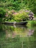 Een boot bij de idyllische Spreewald-rivier Stock Foto