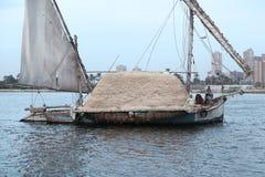 Een boot die op de Nijl varen Stock Foto
