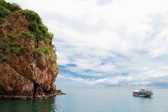 Een boot in het overzees, Thailand Stock Foto