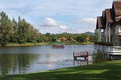 Een boot op een rivier Royalty-vrije Stock Afbeelding