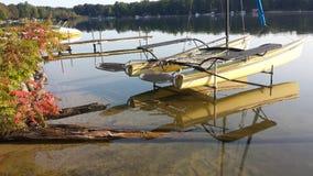 Een boot op het meer Stock Foto