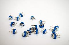 Een bos van witte blauwe potentiometer royalty-vrije stock foto
