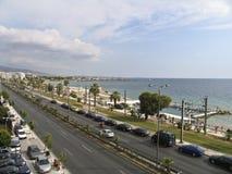 Een boulevard naast het overzees in Athene, Stock Afbeelding
