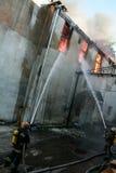 Een brand in een pakhuis bij 108 Frolovska Stock Foto