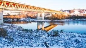 Een brug over rivier Royalty-vrije Stock Foto's