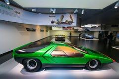Een buitengewoon Alpha- model van Romeo Carabo Bertone op vertoning bij het Historische Museum Alfa Romeo stock foto's