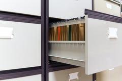 In een bureau archiefkast Stock Foto