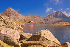 Een cabine in nationaal park Pirin, Bulgarije Royalty-vrije Stock Foto's