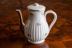 Een ceramische theepot Stock Afbeeldingen