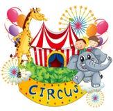 Een circus toont met jonge geitjes en dieren Royalty-vrije Stock Afbeeldingen