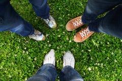 In een cirkel van vrienden Stock Fotografie