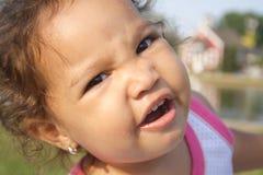 Een close-up van een dwaze baby Royalty-vrije Stock Afbeeldingen