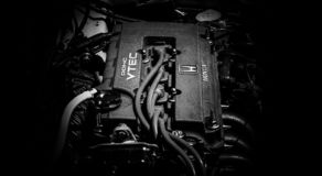 Een close-up van een motor van een auto royalty-vrije stock foto's