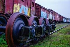 Een close-upmening van de wielen van een trein royalty-vrije stock foto