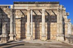 Een colonnade in de Roman stijl stock fotografie