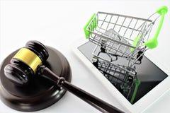 Een conceptenbeeld van elektronische handel en wet stock afbeeldingen