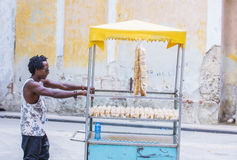 Een Cubaanse voedselverkoper Stock Afbeeldingen