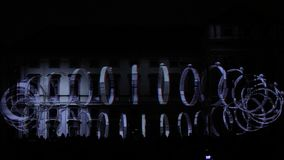 Een 3D videomappaing die installatie Mutis door Tigrelab bij het historische het Signaal lichte festival Praag wordt ontworpen 20 stock footage