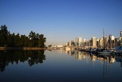 Een dagscène van Vancouver van de binnenstad, Engelse Baai Stock Fotografie