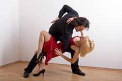 Een dansend paar Stock Afbeelding