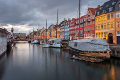 Een de 17de eeuwwaterkant Nyhavn in Kopenhagen Stock Fotografie